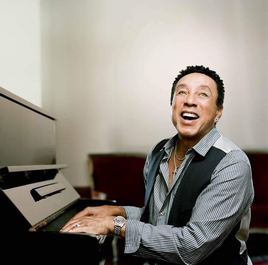 Smokey Robinson at piano, singing